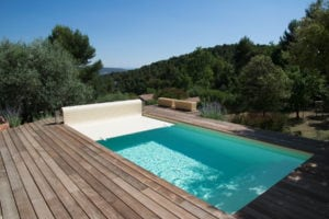 Création d'un jardin exotique avec piscine et terrasse bois sur mesure Bouches-du-Rhône (13), Vaucluse (84), Alpes de Haute Provence (04)