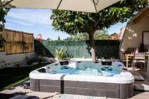 construction piscine et spa aix en provence marseille 13 84 04. Black Bedroom Furniture Sets. Home Design Ideas