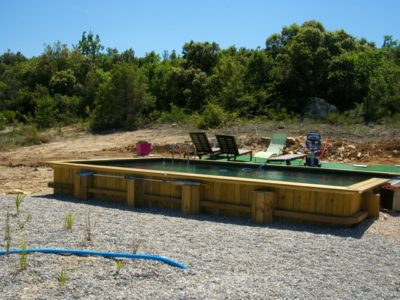 Construction piscine naturelle en Provence