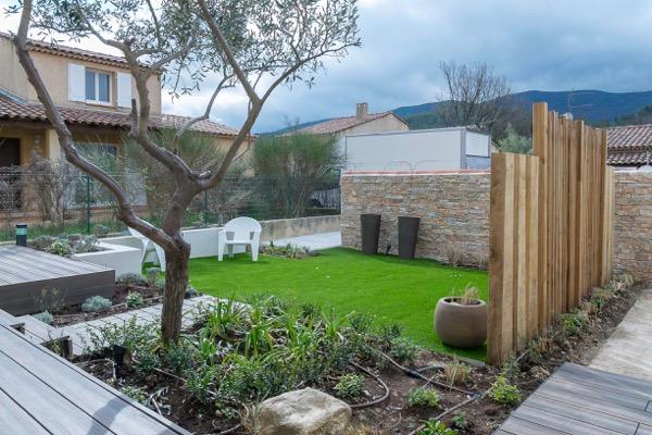 aménagement d'un petit jardin avec plantes vivaces à Autiol 13