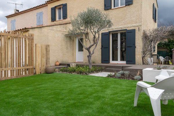 avant apres rénovation d'un petit jardin à Auriol 13