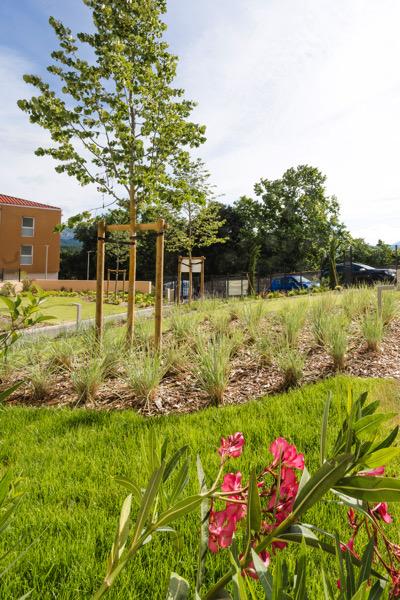 aménagement jardin résidentiel 13